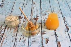 Naturlig, sund och utsökt frukost Royaltyfri Fotografi