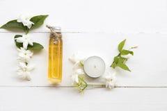 Naturlig växt- jasmin för oljaextraktblomma royaltyfri foto