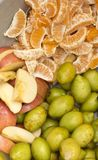 Naturliga nya blandningfrukter royaltyfri bild