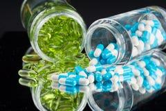 Naturliga organiska tillägg och vitaminer Arkivbilder
