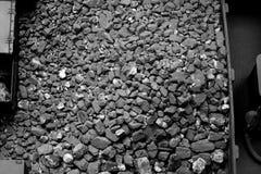 Naturliga svartkol för bakgrund Industriella kol Royaltyfria Foton