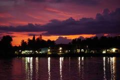 Naturligt aftonljus i sommaren av sydliga Thailand Arkivfoto