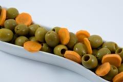 Naturligt banta mat från oliv och moroten stångsädesslag bantar kondition Banta vägen Arkivfoton