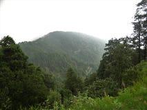 Naturligt berglandskap och landskap arkivfoton