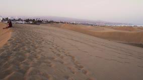 Naturligt desertic landskap av dyn på den Maspalomas stranden, i Maspalomas Gran Canaria Spanien arkivfilmer