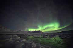 Naturligt fenomen av nordliga lampor royaltyfri fotografi