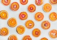 Naturligt fruktmodellbegrepp med blodapelsinskivor royaltyfri foto