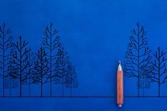 Naturligt landskap med teckningen av trädet och blyertspennan jpg Royaltyfria Bilder