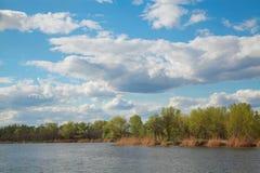 Naturligt landskap, vår Royaltyfria Bilder