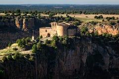 Naturligt parkera skäror av den Duraton floden Eremitboning av San Frutos Segovia Spanien royaltyfria foton