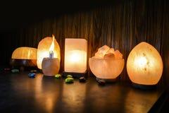 Naturligt salta lampor | Himalayan salta fotografering för bildbyråer
