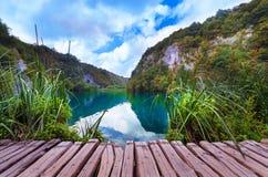 Naturpark mit Wasserfällen und Türkiswasser Stockfoto