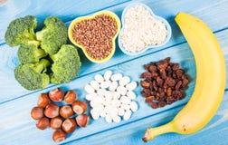 Naturprodukte reich in Vitamin B6 Pyridoxin Gesundes Nahrungsmittelkonzept stockbilder