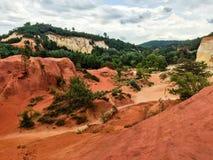 Naturreservat mit rotem Sand in Frankreich stockfotografie