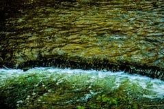 Naturvattenfall i ett hjärtslag arkivbild