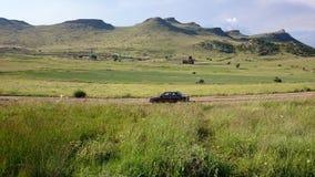 Natury fotografia i samotny samochód zdjęcie stock