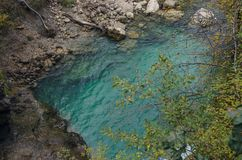 Natury jesieni krajobraz Siklawa przy Soteska Vintgar Slovenia Obraz Royalty Free