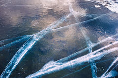 Natuurlijk blauw ijs op het meer Stock Afbeelding