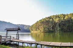 Natuurlijk landschap in Pang Ung, Mae Hong Son, Thailand Royalty-vrije Stock Fotografie