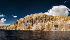Natuurlijk panoramisch infrarood landschap van Messe-rivier Stock Foto's