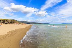 Natuurlijk strand Marina di Alberese in Toscanië in Italië Royalty-vrije Stock Afbeeldingen