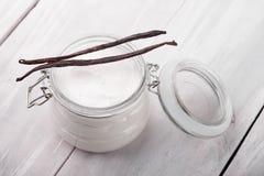 Natuurlijk vanille, sheaboom, cacao en kokosnotenlichaam boterdiy Royalty-vrije Stock Foto's