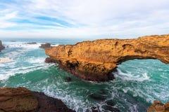 Natuurlijke boog in Biarritz, Frankrijk stock foto's