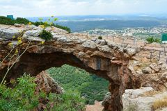 Natuurlijke boog in noordelijk Israël royalty-vrije stock fotografie