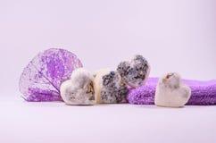 Natuurlijke de lavendel en het citroengrasharten van de kuuroordzeep stock afbeelding