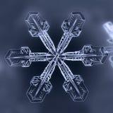 Natuurlijke de wintersneeuwvlok royalty-vrije stock foto's