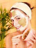 Natuurlijke eigengemaakte klei gezichtsmaskers. royalty-vrije stock afbeelding