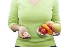 Natuurlijke en synthetische vitaminen Royalty-vrije Stock Fotografie