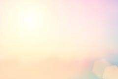 Natuurlijke het achtergrond vertroebelen warme kleuren en helder zonlicht BO stock foto