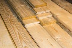 Natuurlijke houten oppervlakte die van in de ovene gedroogd raad wordt gemaakt Stock Afbeeldingen