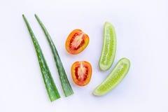 Natuurlijke ingrediënten voor eigengemaakte huidzorg op wit stock foto's
