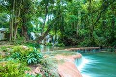 Natuurlijke landschapswaterval Royalty-vrije Stock Foto