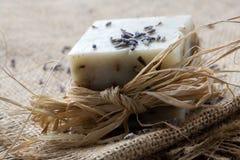 Natuurlijke lavendelzeep royalty-vrije stock afbeeldingen