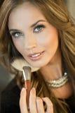 Natuurlijke make-up Donkerbruine maniervrouw Royalty-vrije Stock Fotografie