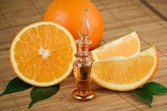 Natuurlijke oranje olie van met de hand gemaakt stock foto