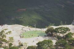 Natuurlijke plaats van agua van Hierve Gr in Oaxaca Mexico stock foto