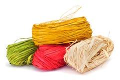 Natuurlijke raffia van verschillende kleuren stock afbeelding