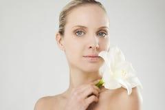 Natuurlijke schoonheid met Amaryllis stock afbeeldingen