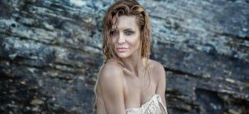 Natuurlijke sexy blondevrouw royalty-vrije stock foto