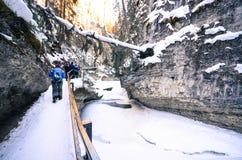 Natuurlijke Sleep aan Johnston Canyon Waterfalls Stock Foto