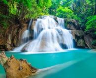 Natuurlijke waterval in Huay Mae Khamin Stock Afbeeldingen