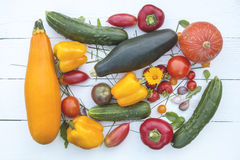 Natuurvoedingachtergrond fotografie verschillende vruchten en groenten stock foto