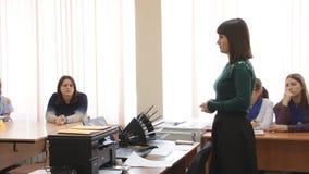 Nauczyciel dostarcza wykład zdjęcie wideo