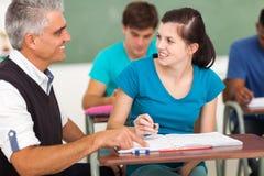 Nauczyciel nastoletnia dziewczyna obrazy stock