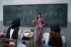 Nauczyciela nauczanie Zdjęcia Royalty Free