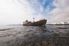Naufrágio em Lanzarote, Ilhas Canárias, Espanha imagem de stock royalty free